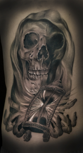 sanduhr-Tattoo: Memento Mori
