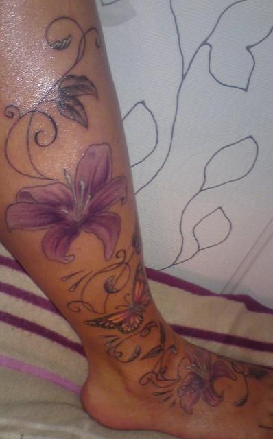 Lilien,Schmetterling ohne Fuß:-)