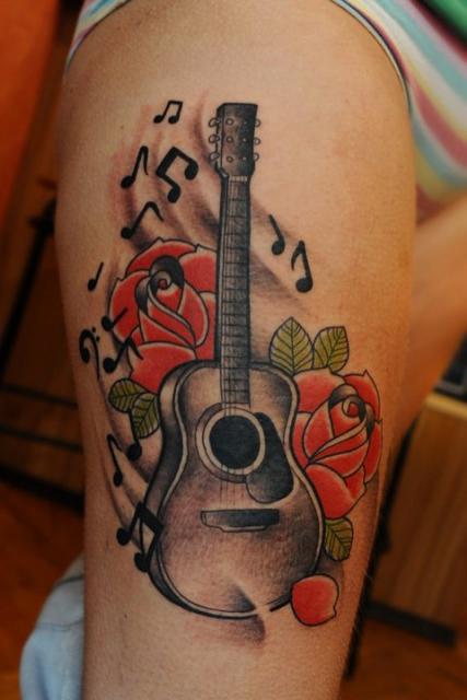 Gitarre mit Rosen