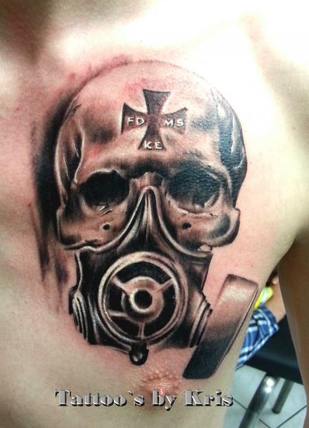 Skull with gasmask