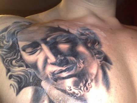 Sterne-Tattoo: Pieta, Teil 2