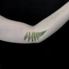 Realistisches Farnblatt Tattoo