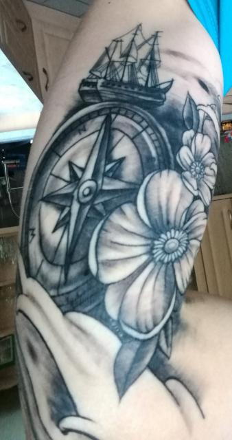 Kompass mit Schiff