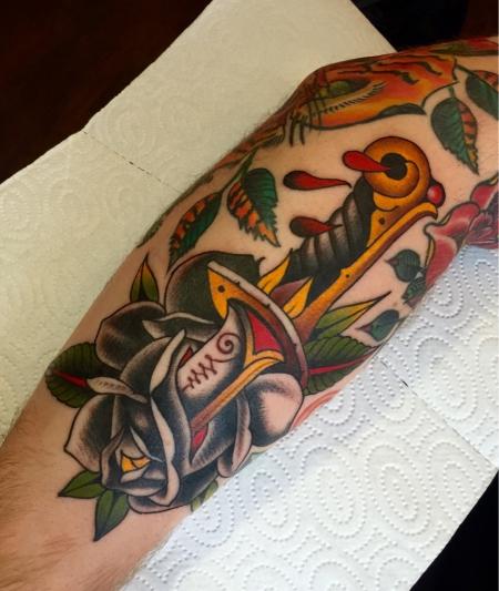 Dagger Rose Unterarm - Herb Auerbach