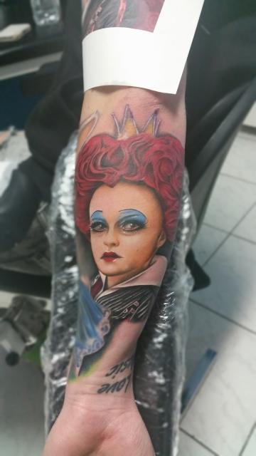 alice-Tattoo: Rote Königin aus Alice im Wunderland