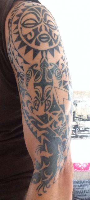 pimpmysales maori oberarm schulter tattoos von tattoo. Black Bedroom Furniture Sets. Home Design Ideas