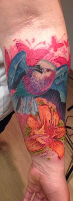 Vögelchen am Unterarm