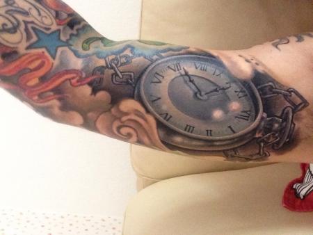 taschenuhr-Tattoo: Taschenuhr mit Geburtszeit
