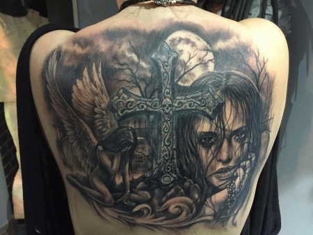 kreuz-Tattoo: Cover up