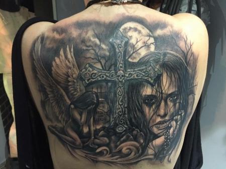 kreuz-Tattoo: Cover up