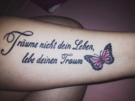 beste text und schrift tattoos tattoo. Black Bedroom Furniture Sets. Home Design Ideas
