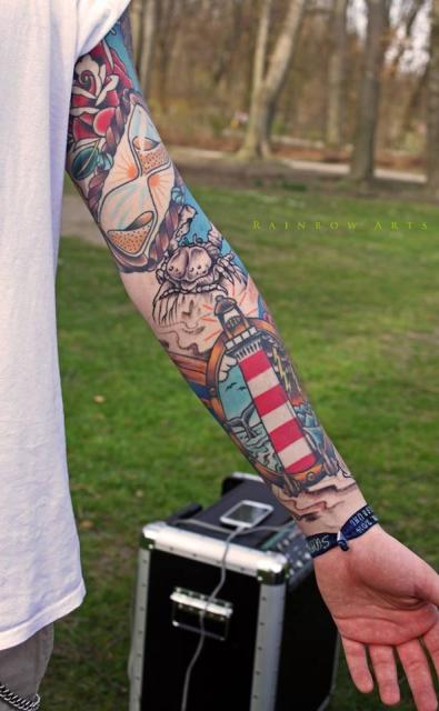 sanduhr-Tattoo: Symbol Nautik Sleeve