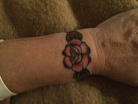 Rose am Handgelenk Traditional