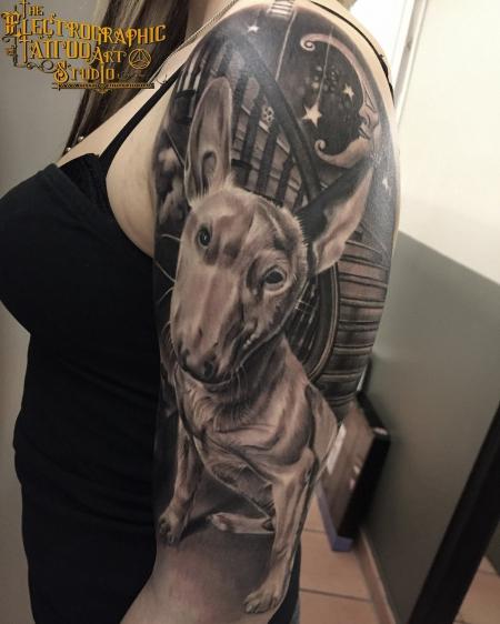 Bull terrier erinnerung tattoo von Lajos T. Electrographic tattoo Rosenheim