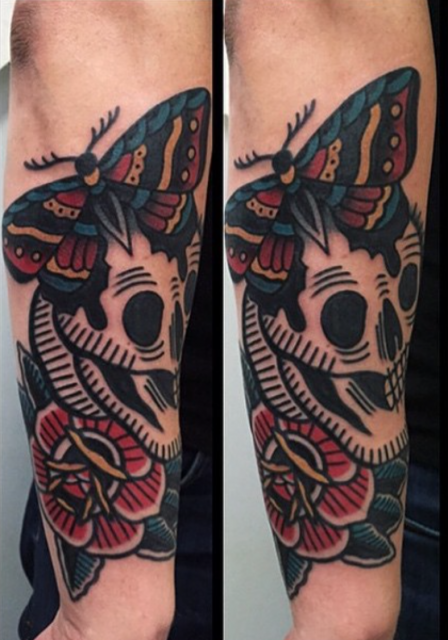 Schmetterling-Tattoo: Skull mit Schmetterling