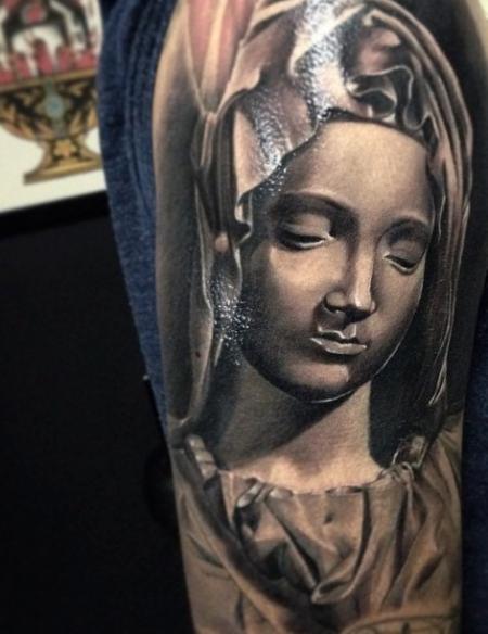kois-Tattoo: Heilige Maria