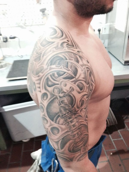 Anma77 Biomechanik Tattoos Von Tattoo Bewertung De