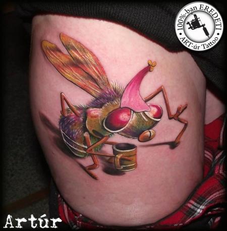 fliege-Tattoo: Alte Fliege