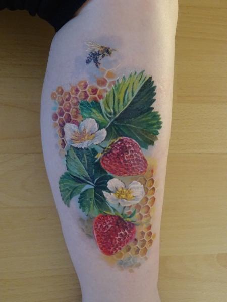 Erdbeere und Honigbiene - abgeheilt