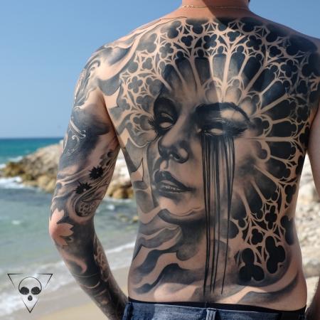 Abgeheiltes Backpiece, gestochen in Israel in insgesamt circa 25 Stunden - Michael Litovkin Tattoo