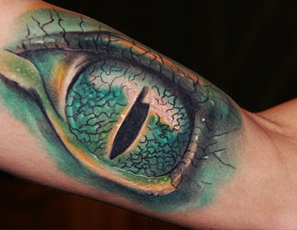 puzzle-Tattoo: Alligator Auge