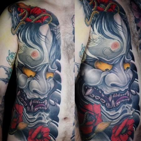 hannya-Tattoo: Hannya und Mohnblüten