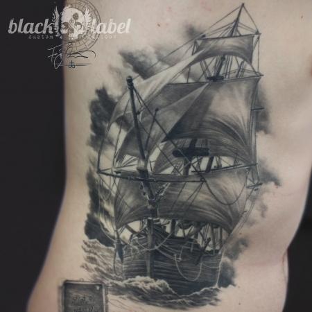 segelschiff tattoos und segelschiffbilder. Black Bedroom Furniture Sets. Home Design Ideas