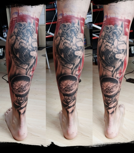 kompass-Tattoo: Legsleeve Teil 1