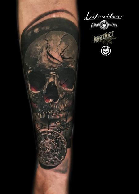 Skull mit Taschenuhr