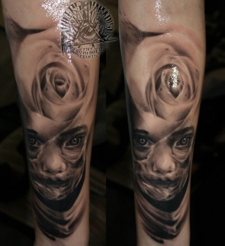 Skull / Face by Raphael Kieserling (Inkers Paradise Tattoo)