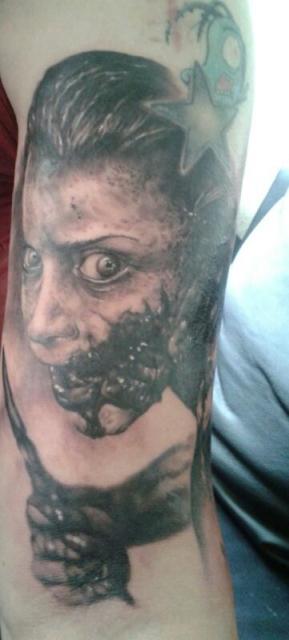 Evil Dead Tattoo-Künstler Stechwerk Wuppertal Daniel