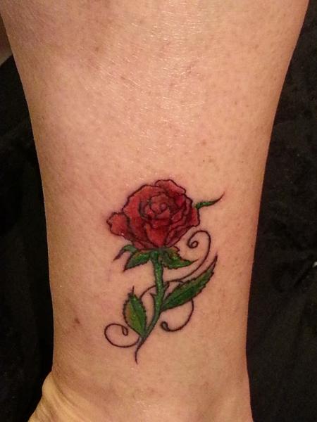 Gitarrenlady Rote Rose Tattoos Von Tattoo Bewertung De