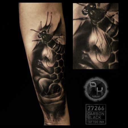 rkieserling wanna do biene aka wannabee tattoos von tattoo. Black Bedroom Furniture Sets. Home Design Ideas