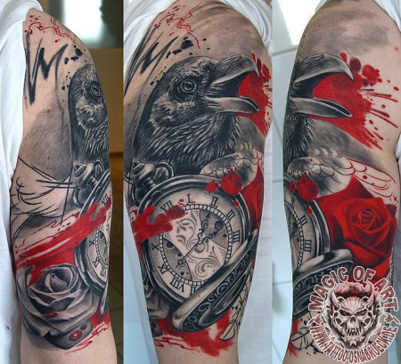 rabe-Tattoo: Trash Polka Rabe/Rose/Uhr