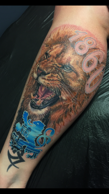 schriftzug-Tattoo: Löwe 1860