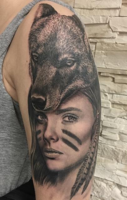 Frau Wolf