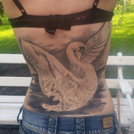 Schwan-Tattoo, Riesen Spass:) #tattoodresden #constantin-ink.com