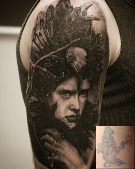 Handgelenk-Tattoo: Coverup eines alten Zwerges