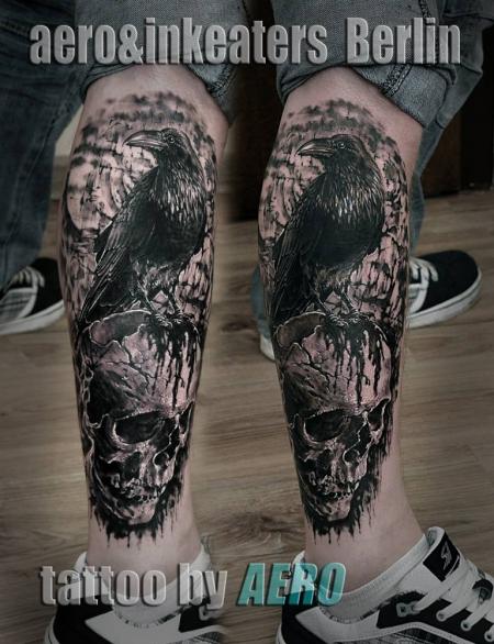 rabe-Tattoo: Rabe und schädel