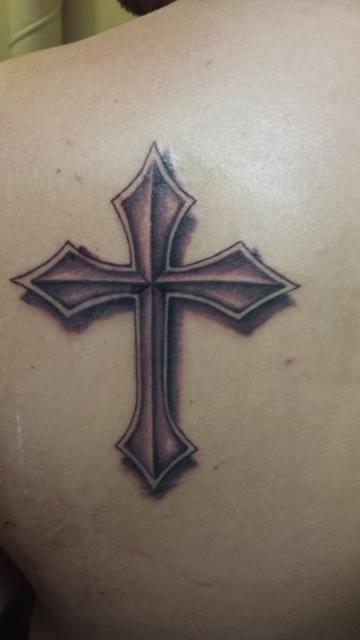 Kreuz an der Schulter in Alicante gestochen!