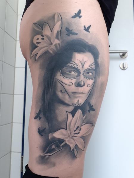 Portrait als Totenkopffrau