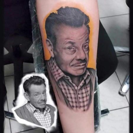 eros dresden tattoo körperseite frau