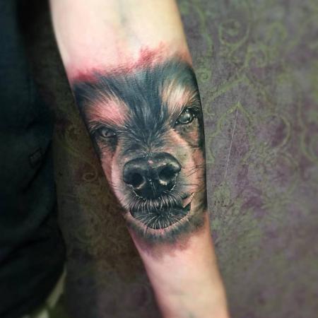 Realistic Hund Portrait Tattoo