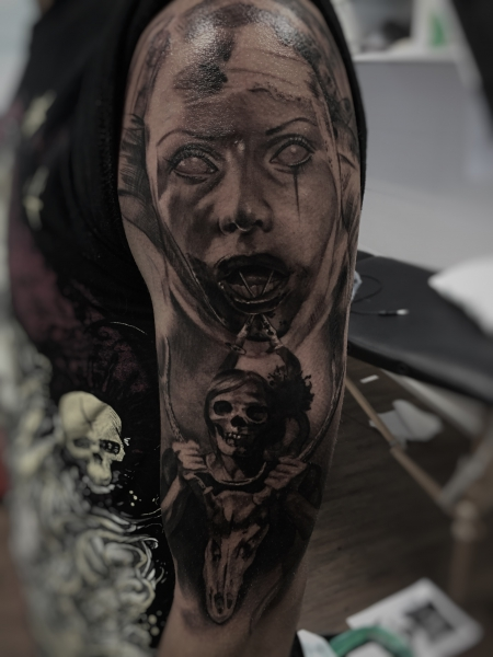 Horror- Tattoo,  gestochen von Constantin Schuldt, Constantin Ink Dresden