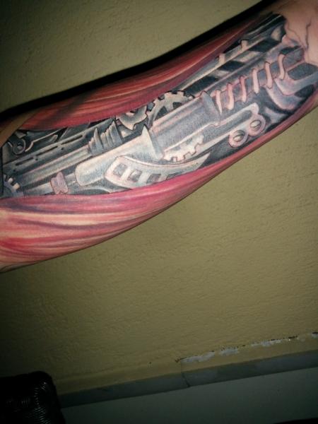 Lucas Wimmer Biomechanik Unterarm Tattoos Von Tattoo Bewertung De