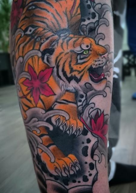 wasser-Tattoo: Tora