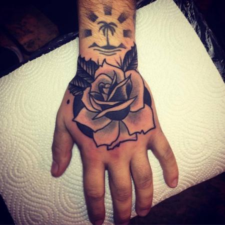 Rose auf der Hand