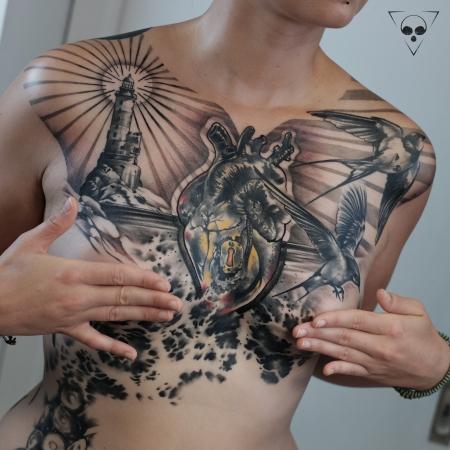 In progress / full front Leuchtturm, Schwalben, anatomisches Herz