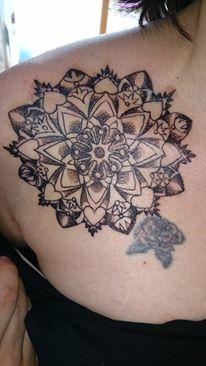 nina19824: Mandala Brust Dekollete | Tattoos von Tattoo