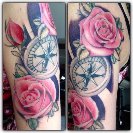 Kompass mit Rosen